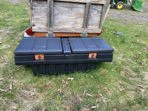 Photo Small truck bed tool box for free u pick up.