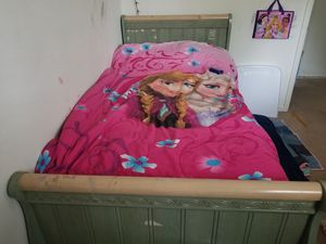 Twin bed headboard and footboard for Sale in Woodbridge, VA