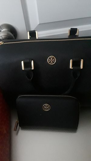 New Tory Burch shoes size 7 for Sale in Alexandria, VA