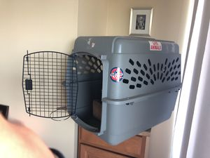 Medium sized dog crate has to go!!! for Sale in Annandale, VA