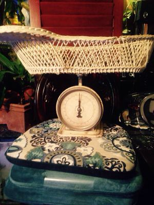 Vintage wicker baby scale for Sale in Silver Spring, MD