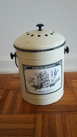 Workd Market Kitchen Composter for Sale in Richmond, VA