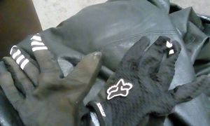 Brand new fox attack gloves for Sale in Seattle, WA
