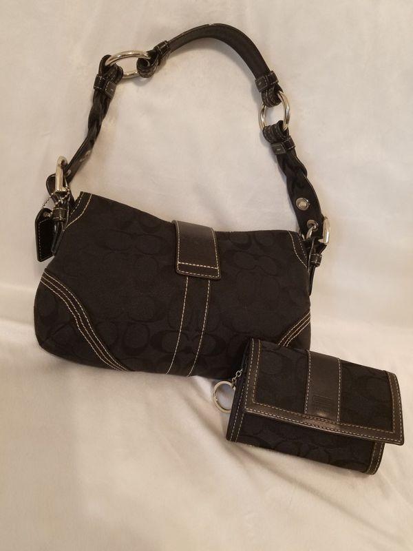 0ee69e3e8c49 Coach Purse and Wallet Set (( Please Read All Info )) (Jewelry    Accessories) in San Antonio