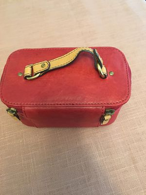 Photo Fossil leather jewelry or makeup bag. Mint condition. Red.