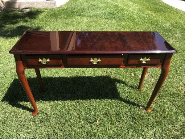 Awe Inspiring Solid Wooden Desk Table Vanity For Sale In Salt Lake City Ut Offerup Download Free Architecture Designs Scobabritishbridgeorg