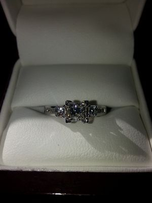 18kt Gold Engagement Ring and Wedding Band for Sale in Pittsburgh, PA