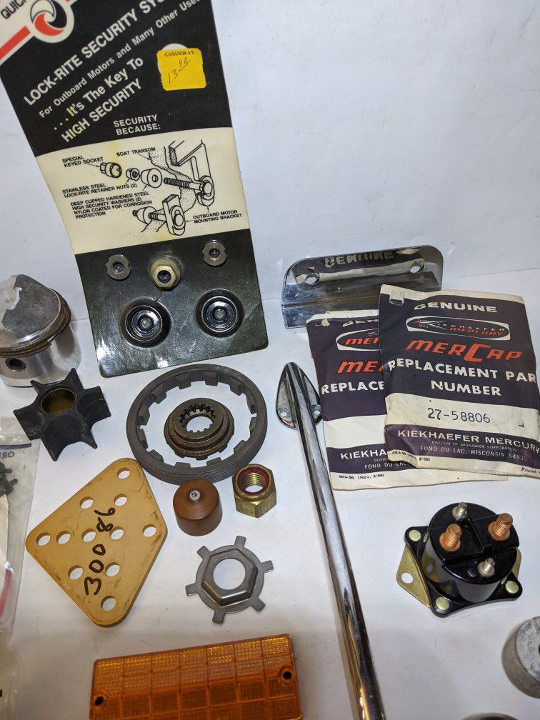 Photo MERCURY outboard engine parts lot NOS MERCAP Quicksilver