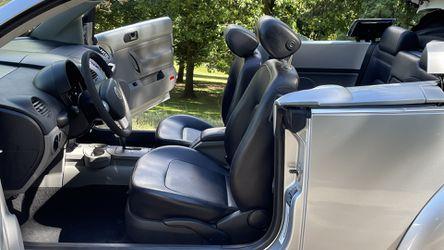 2003 Volkswagen Beetle Thumbnail
