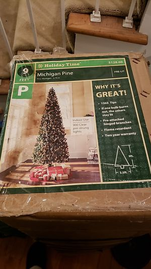 9 ft Holiday time Michigan Pine Xmas tree for Sale in West Springfield, VA
