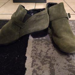 Green Boot Cut Thumbnail