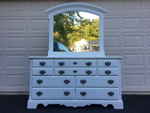 Kincaid White Solid Wood Long Dresser With Mirror for Sale in Manassas, VA