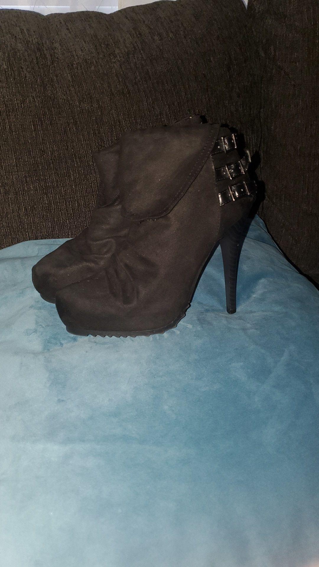 Black high heels- 3 pairs