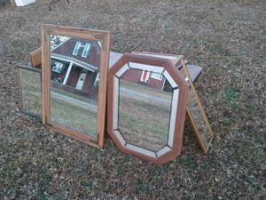 old and antique mirrors of many sizes for Sale in Buffalo Junction, VA