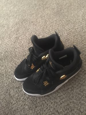 6555609fcb39 Royalty gold Jordan 4s size 9! for Sale in Hayward