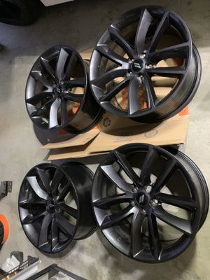 Photo Dodge Charger challenger Scatpack OEM wheels