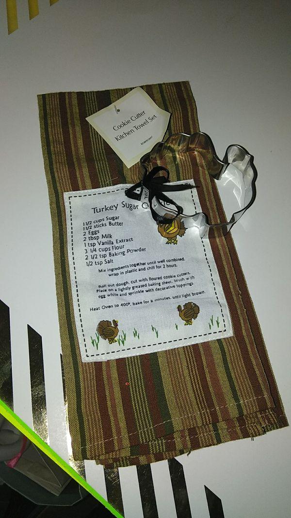 Cookie cutter kitchen towel set for Sale in Phoenix, AZ - OfferUp