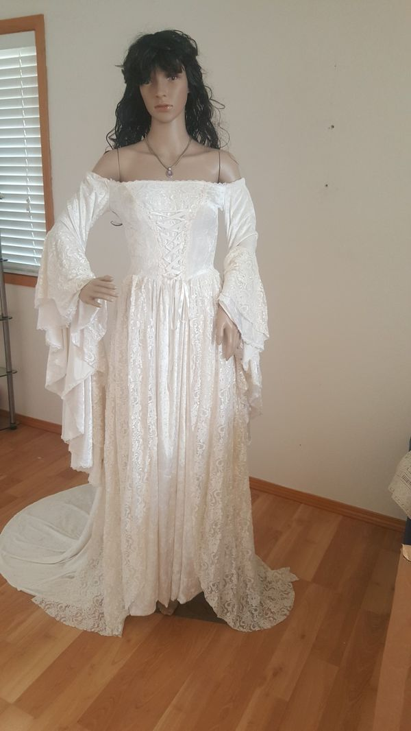 Stunning medieval wedding gown for Sale in Camano Island, WA - OfferUp