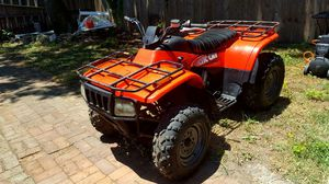 2002 ATV Arctic Cat 300 2x4 4 Wheeler Looks and runs great!! for Sale in St. Louis, MO