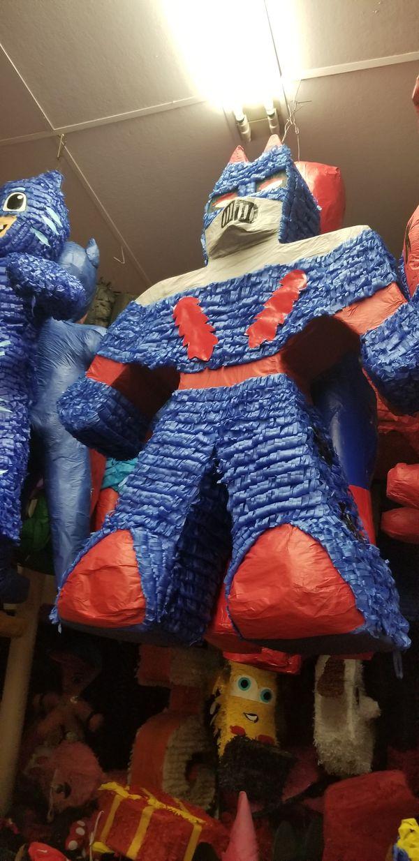 Transformers pinata custom for Sale in Dallas, TX - OfferUp