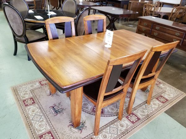 Ashley Furniture Dining Room Table W 4 Chairs Lancaster PA