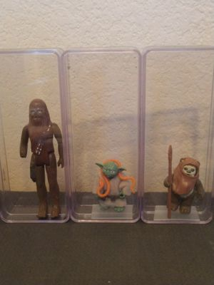 Vintage Star Wars figures ( Chewbacca, Yoda, Wicket the Ewok) for Sale in Mesa, AZ