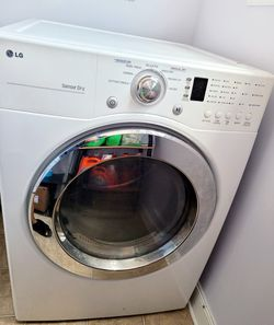 LG Washer & Dryer Set Thumbnail