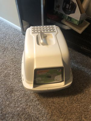 Almost new litter box and other supplies for Sale in Columbus, OH