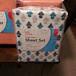 Bed Sheets 3 Piece Various colors To Choose from.  Peach, Grey/White  Thumbnail