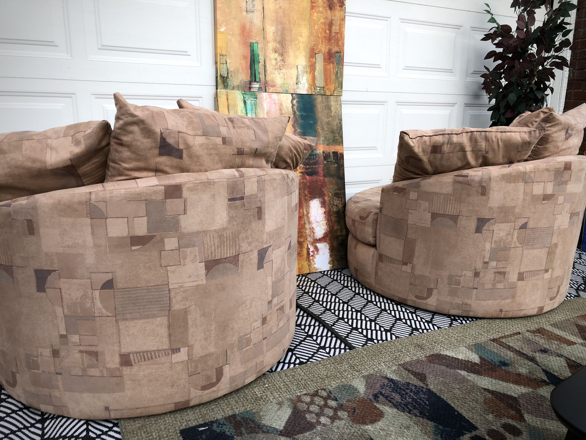 Pair of Lloyd's of Chatham Oversized Swivel Chairs (Free Delivery)