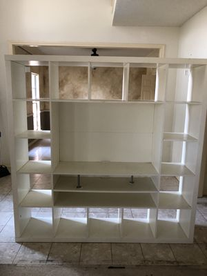 Tv and book shelves for Sale in Garland, TX