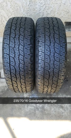 Photo 235/70/16 Goodyear Wrangler 65$