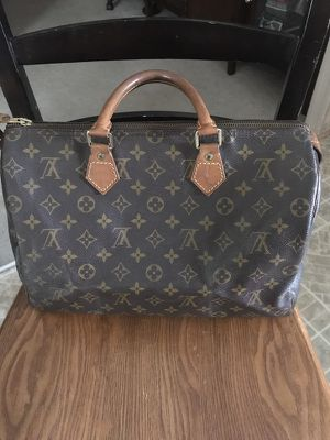 3792f443ac16 Authentic vintage Louis Vuitton speedy 35 for Sale in Greenacres