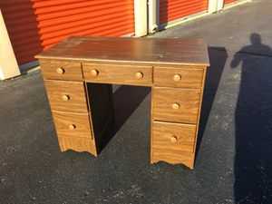 Desk for Sale in North Royalton, OH