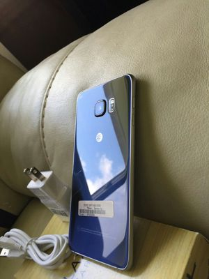 Samsung Galaxy S 6 edge plus ,,UNLOCKED . Excellent Condition ( as like New) for Sale in West Springfield, VA