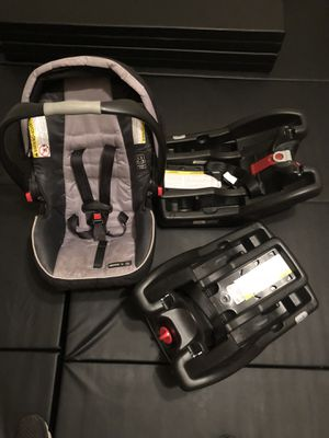 Graco click connect car seat w 2 bases for Sale in Alexandria, VA