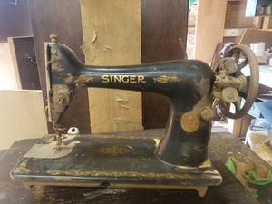 Singer seweing machine for Sale in Manassas, VA