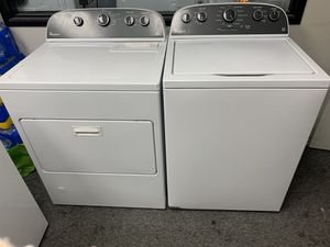 Photo Whirlpool Washer And Gas Dryer Set