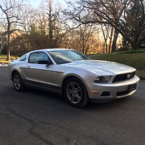 Ford mustang 2011 for Sale in Silver Spring, MD