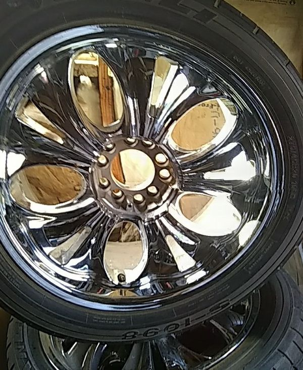 20' Rims And Tires Are 5 Lugs Universal 275/45/R20 For