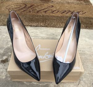 New black pumps -Sz 9.5 -10 for Sale in Fort Washington, MD