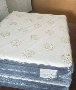 GREAT SALE QUEEN PILLOWTOP MATTRESS AND BOX SPRING