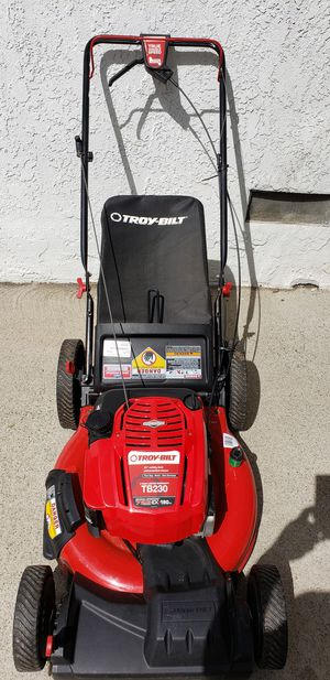 Photo Troy bilt TB230 7.25 190cc self propelled lawn mower