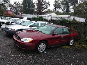 2005 Ford Taurus only 150k clean title in hand need a battery and AC compressor for Sale in Washington, DC