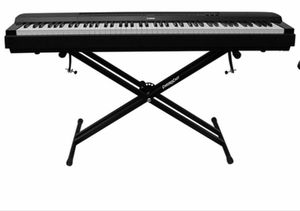 Piano keyboard 🌟 for Sale in Los Angeles, CA