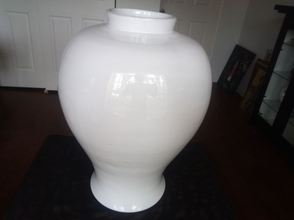 15 Tall White Ceramic Vase Made In Italy For Sale In Boynton Beach