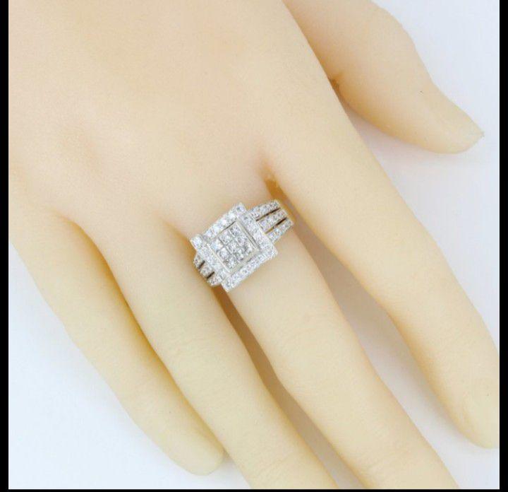 14k Gold Princess + Round Diamond Ring