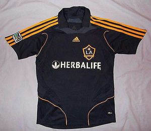 Rare Highbury Arsenal soccer jersey large Beckham Jersey extra large for Sale in St. Louis, MO