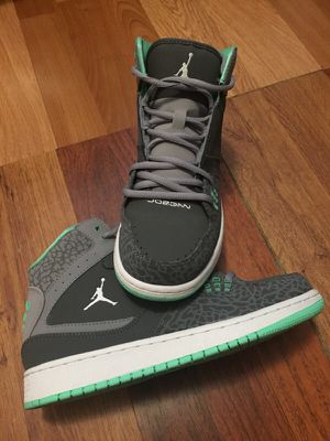 Jordan's size 6.5Y for Sale in Austin, TX