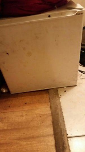 Haier mini fridge for Sale in Austin, TX